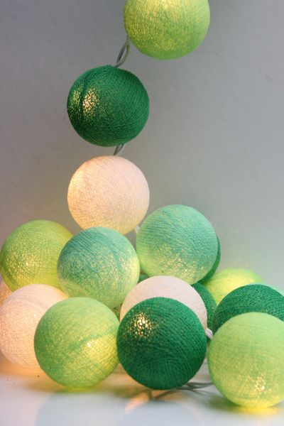 Lichterkette Stoffbälle Grün